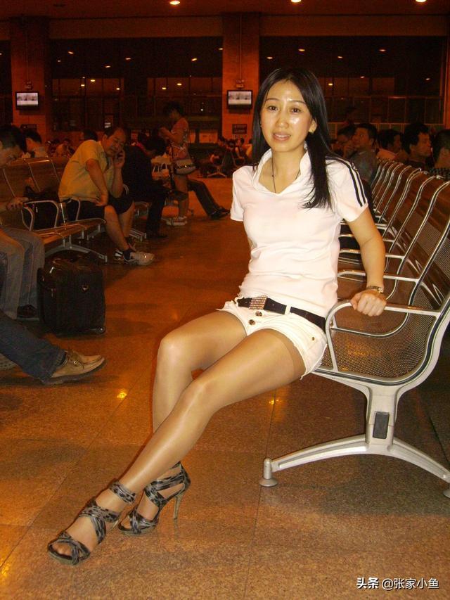 绝配:为什么说丝袜配高跟鞋是绝配?